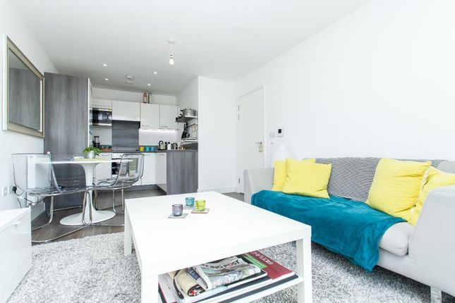 Thumbnail Flat for sale in Adenmore Road, London, London
