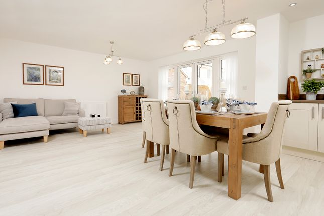5 bedroom detached house for sale in Oakham Road, Greetham, Rutland