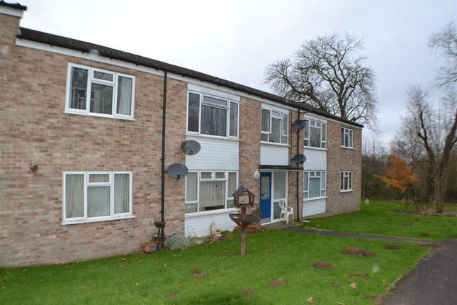 2 bed flat to rent in Strokins Road, Kingsclere RG20