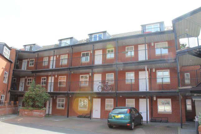 Thumbnail Maisonette to rent in The Cloisters, Lincoln