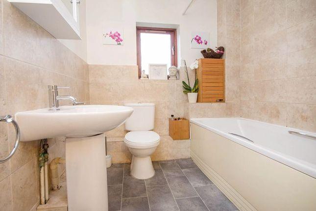 Bathroom of Denbigh Close, Totton, Southampton SO40