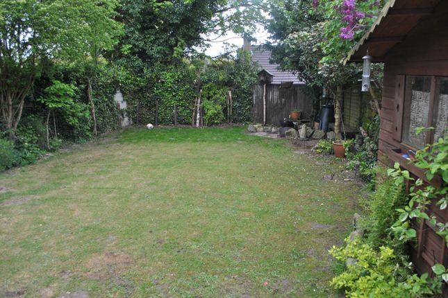 Garden of Salisbury Close, Potters Bar EN6