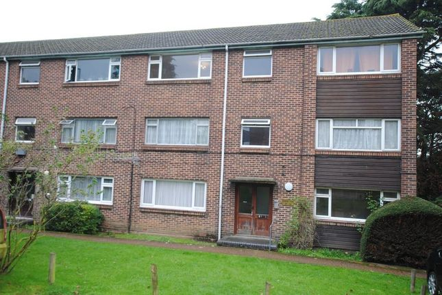 Flat for sale in Radstock Road, Southampton