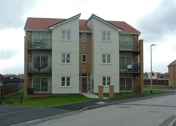 Thumbnail Flat to rent in Kingham Close, Twickenham Drive, Leasowe