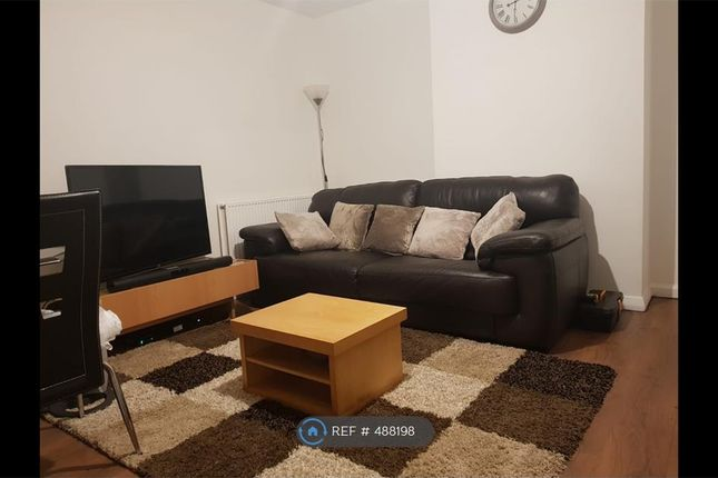 Thumbnail Semi-detached house to rent in Cardinal Square, Leeds
