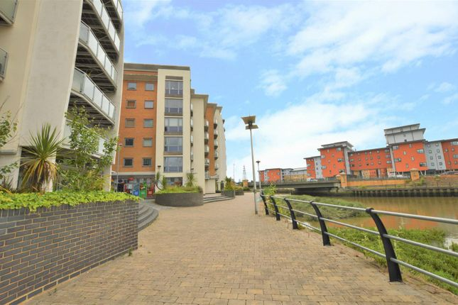 Thumbnail Flat for sale in Caelum Drive, Colchester