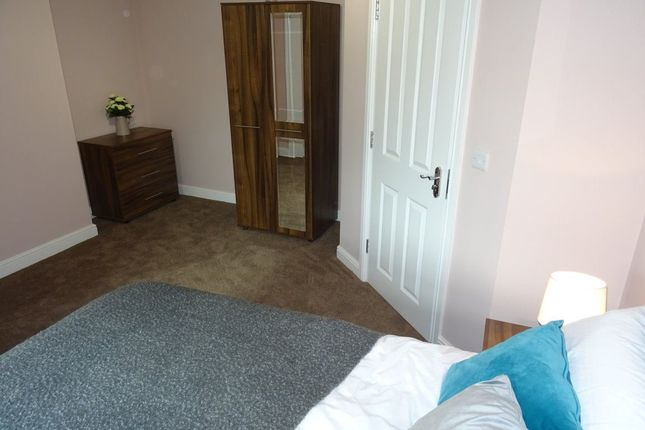 Thumbnail Room to rent in Rm 7, Lincoln Road, Peterborough
