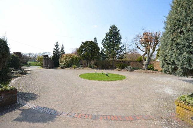 Main Driveway of Babylon Lane, Lower Kingswood, Tadworth KT20