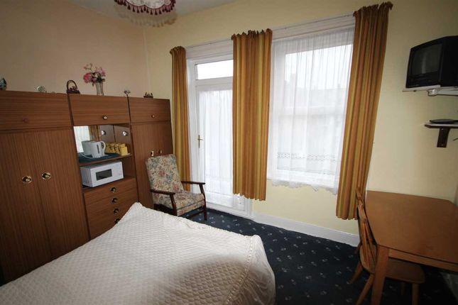 Room Five of Manning Road, Felixstowe IP11