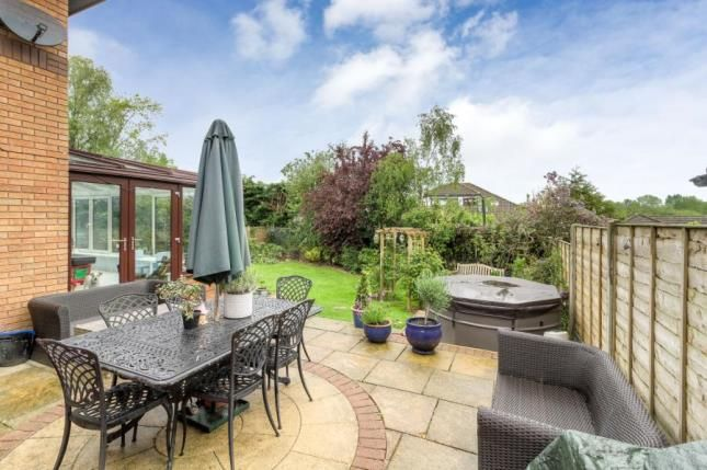 Garden of Gatcombe, Great Holm, Milton Keynes MK8
