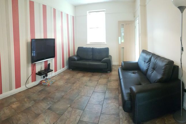 Thumbnail Property to rent in Mauldeth Road, Withington, Manchester