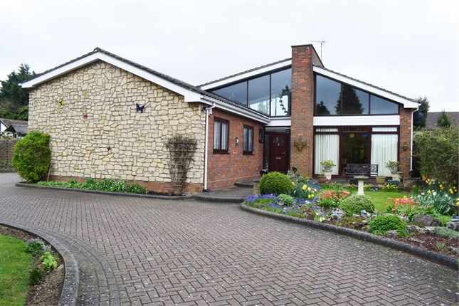Thumbnail Detached bungalow for sale in Icknield Way, Luton, Bedfordshire