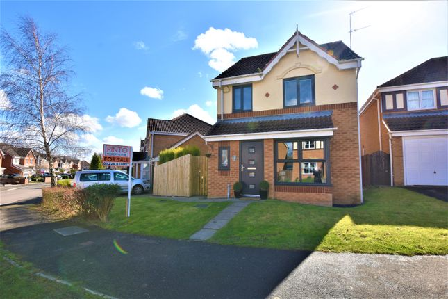 Thumbnail Detached house for sale in Manor Fields, Great Houghton, Barnsley