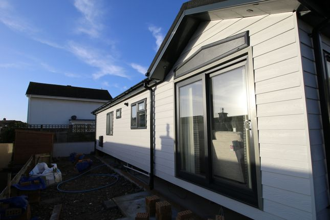 2 bed mobile/park home for sale in Dune View Park, Braunton EX33