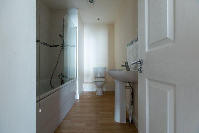 House Bathroom of West Street, Crewe CW1