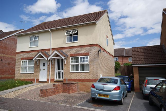 Thumbnail Semi-detached house to rent in Dove Close, Cullompton