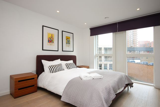 Thumbnail Property for sale in New North Road, London