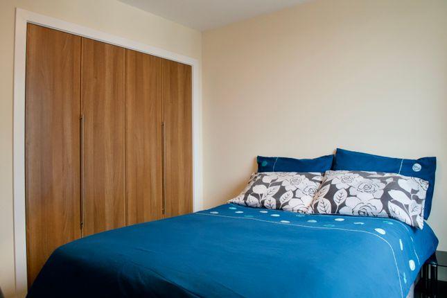 Thumbnail Flat to rent in Kimmerghame Place, Edinburgh