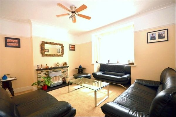 4 bed semi-detached house for sale in Riverview Park, London