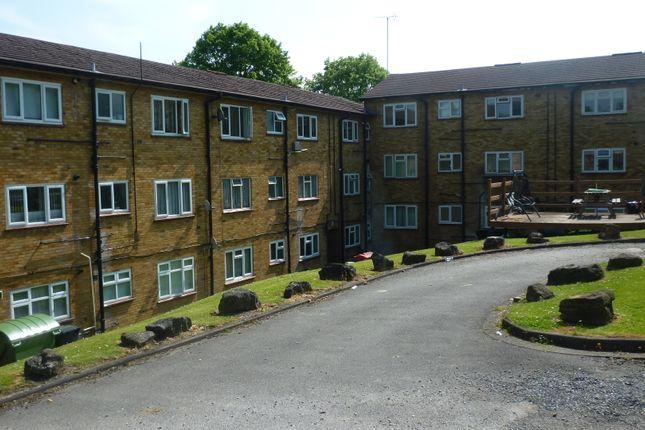 Stockwood Crescent, Luton, Beds LU1