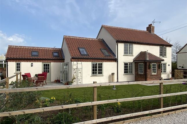 Cottage for sale in Crab Lane, North Muskham, Nottinghamshire.