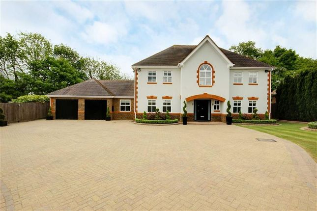 Thumbnail Detached house for sale in Bluebell Drive, Goffs Oak, Hertfordshire