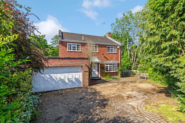 Thumbnail Detached house for sale in Woodlands Close, Hoddesdon