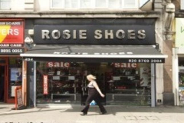 Thumbnail Retail premises to let in Streatham High Road, London