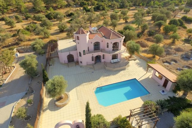 4 bed villa for sale in Catalkoy, Cyprus