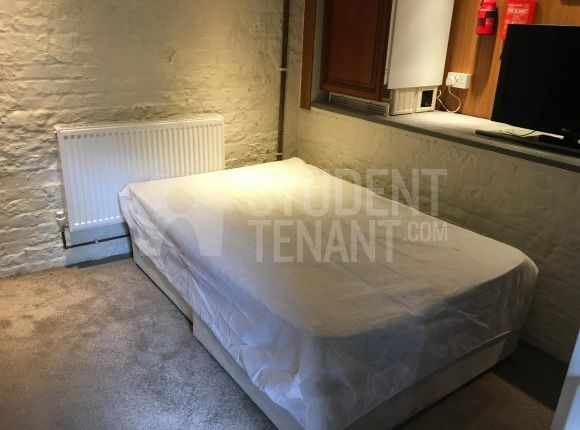 Thumbnail Shared accommodation to rent in New Road, Rochester, Kent