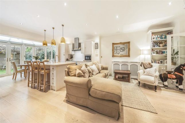 Thumbnail Terraced house for sale in Wycliffe Road, London
