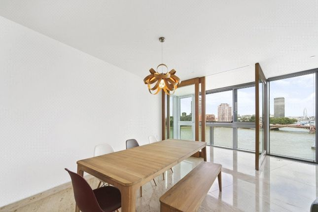 Flat in  St George Wharf  The Tower  London  Chelsea