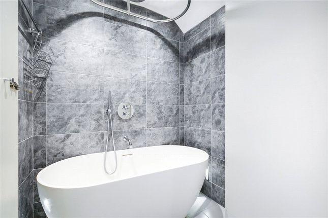 Bathroom of Cumberland Street, Pimlico, London SW1V