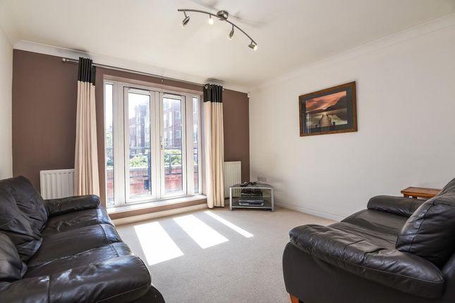Living Room of Iliffe Close, Reading RG1