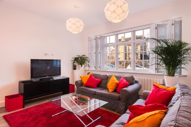 Thumbnail Semi-detached house to rent in Sutton Court Road, Chiswick, London