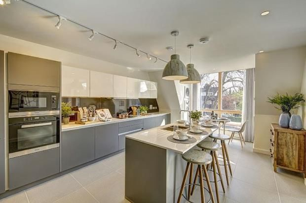 Thumbnail Flat for sale in Finchley Road, Golders Green, London
