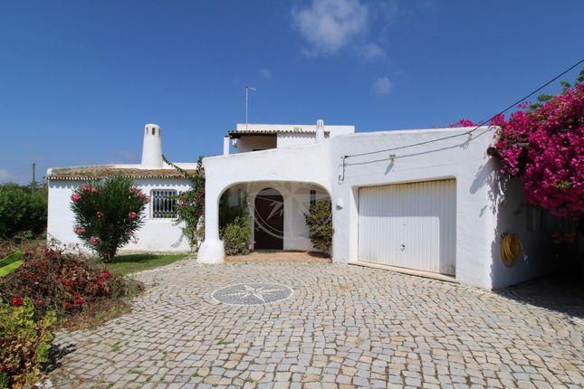 Thumbnail Villa for sale in Moncarapacho/Fuzeta Area, Moncarapacho E Fuseta, Olhão Algarve