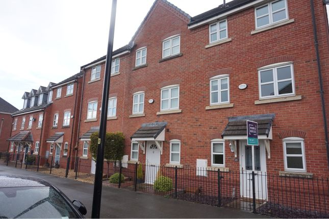 4 bed town house to rent in Portland Road, Warrington WA5