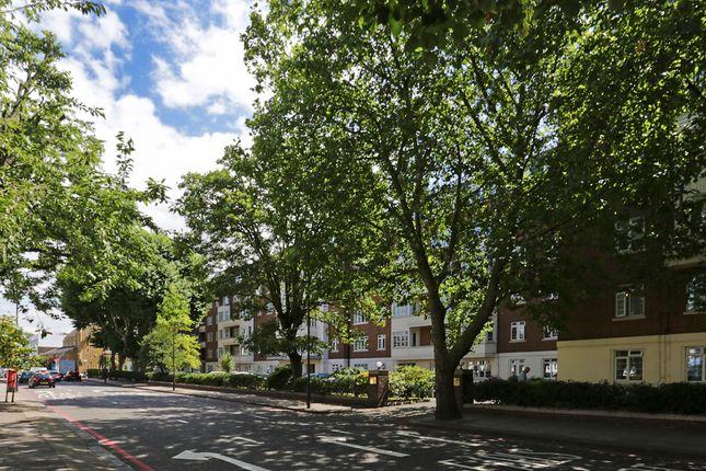 3 bed flat for sale in Pembroke Road, London