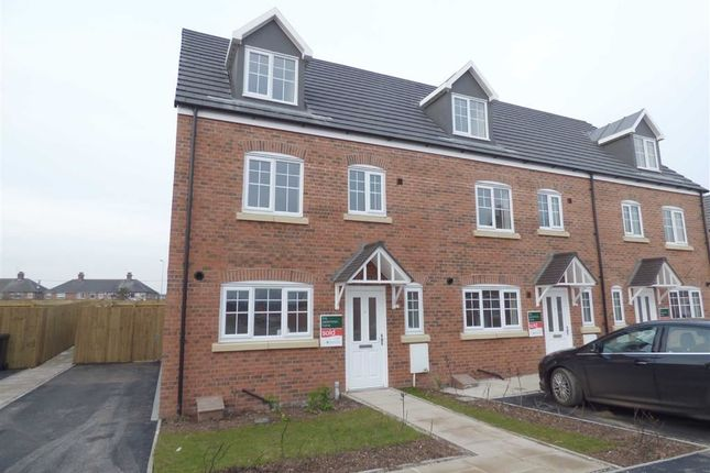 4 bed mews house for sale in Sable Road, Shavington, Crewe