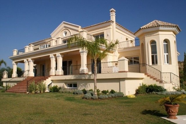 Thumbnail Detached house for sale in Los Flamingos, Costa Del Sol, Spain