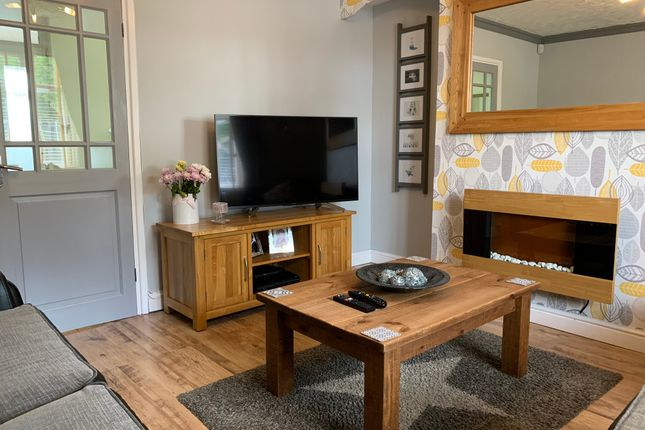 Lounge of Hattern Avenue, Leicester LE4