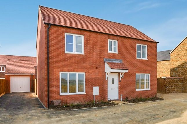 Thumbnail Detached house for sale in Dunnock Road, Bodicote, Banbury