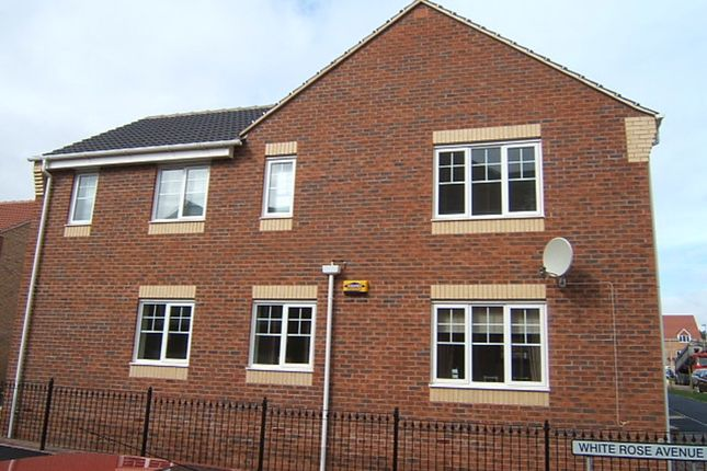 Thumbnail Flat to rent in White Rose Avenue, Mansfield