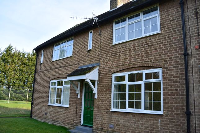 2 bed terraced house to rent in Cambridge Crescent, Bassingbourn, Royston