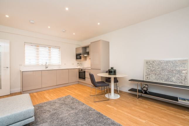 Thumbnail Flat for sale in Sevens Close, High Street, Berkhamsted