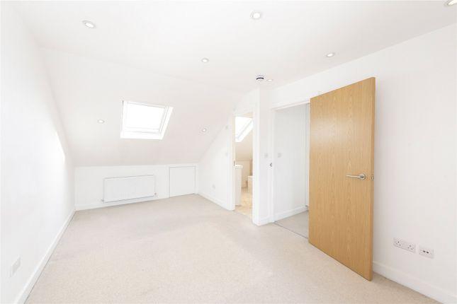 Bedroom One of Queenstown Road, London SW8