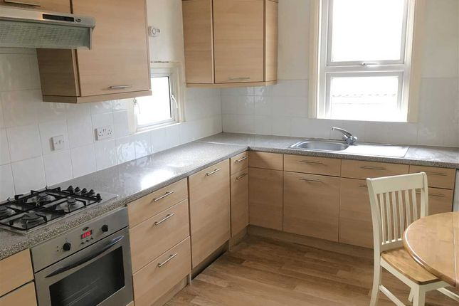 Thumbnail Flat to rent in Sandycombe Road, Kew, Richmond
