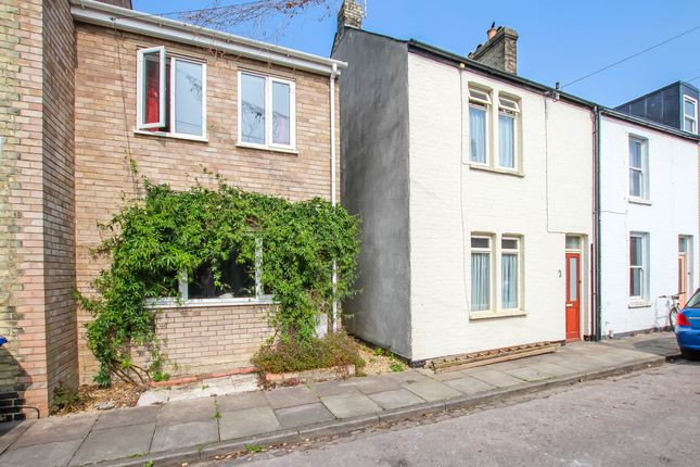 Thumbnail End terrace house for sale in Campbell Street, Cambridge
