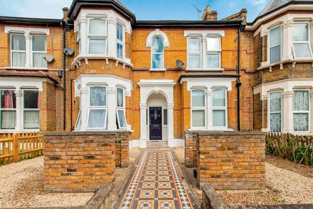 2 bed flat for sale in Forest Drive East, London E11